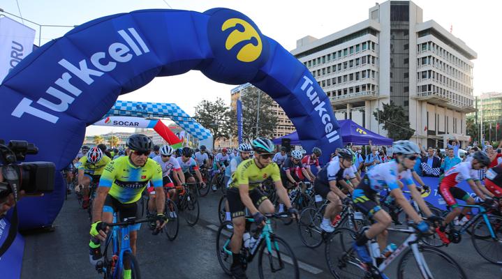 Turkcell GranFondo İzmir'de pedallar eğitim için döndü